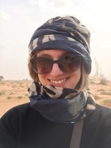Strawanzerin in der Wüste
