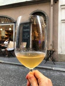 Organge Wine in der Enoteca Settemila
